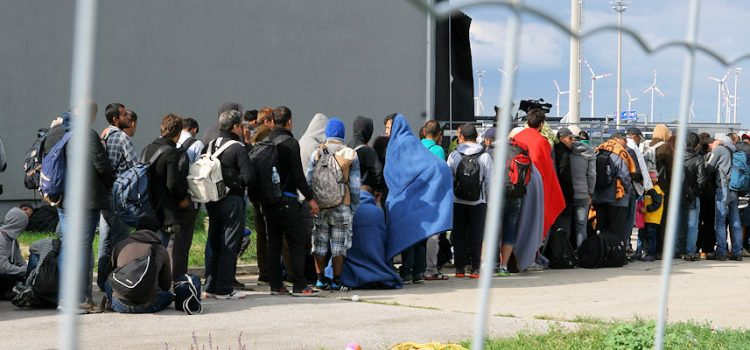 Om  flyktningar,  asylsøkjarar  og  andre  medmenneske