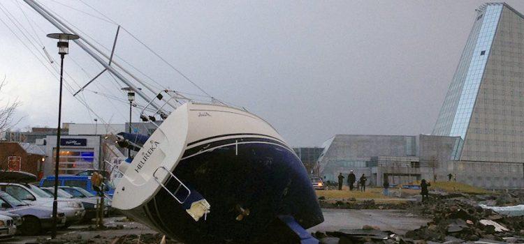 Storm  på  Vestlandet  –  ein  storm  i  eit  vatnglas  ?